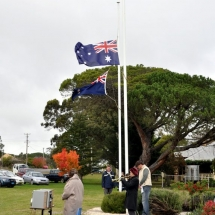 WEDNESDAY 25 APRIL 2012ANZAC DAY AT BUNGONIA.